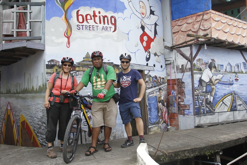 Cycling Tour Kapuas Riverside