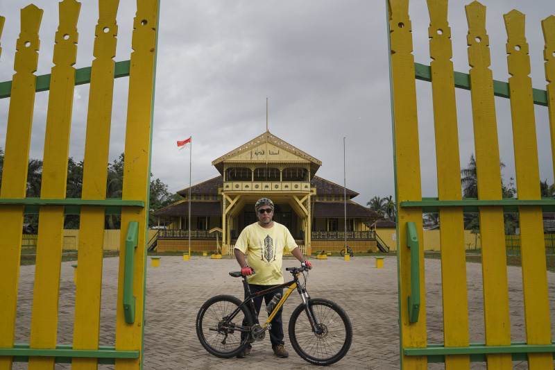 HERFIN YULIANTO Bike Tour Pontianak www.tamasyapuriwisata.com