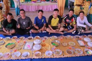 Makan Saprahan Melayu Pontianak www.tamasyapuriwisata.com