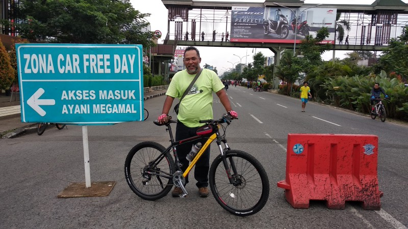 Paket Rental Sepeda Pontianak City Bike Area Car Free Day Ahmad Yani Street.