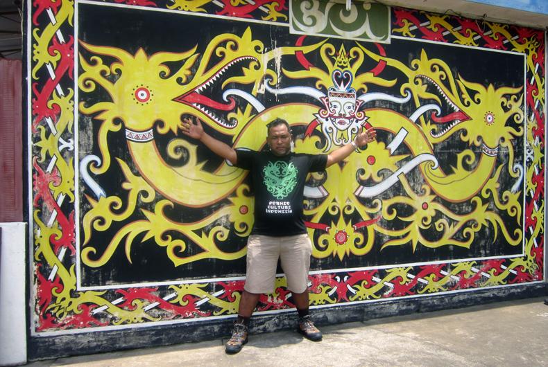 Toko Sevenir di Pontianak Borneo Culture Indonesia
