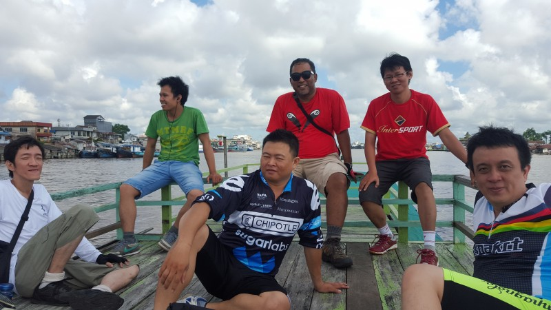 we enjoyed the Kapuas river from tourist boats