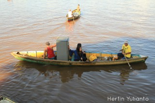 Fridge on Boat by Herfin Yulianto Pontianak Street Photo