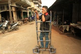 Hello Mom di Pasar Tengah Pontianak _hy
