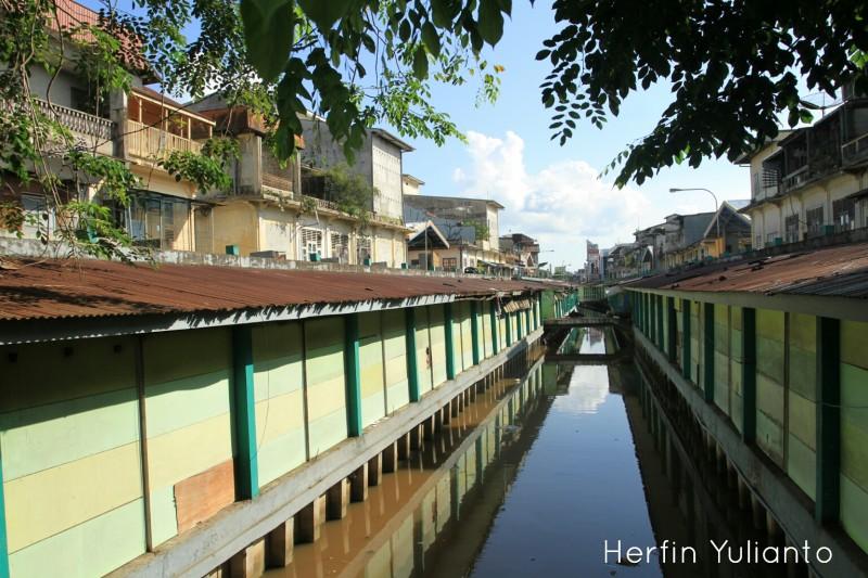 Pasar Rakyat Tengah www.tamasyapuriwisata.com