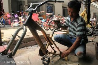 Pedagang Sepeda Bekas di Pasar Tengah Pontianak _hy