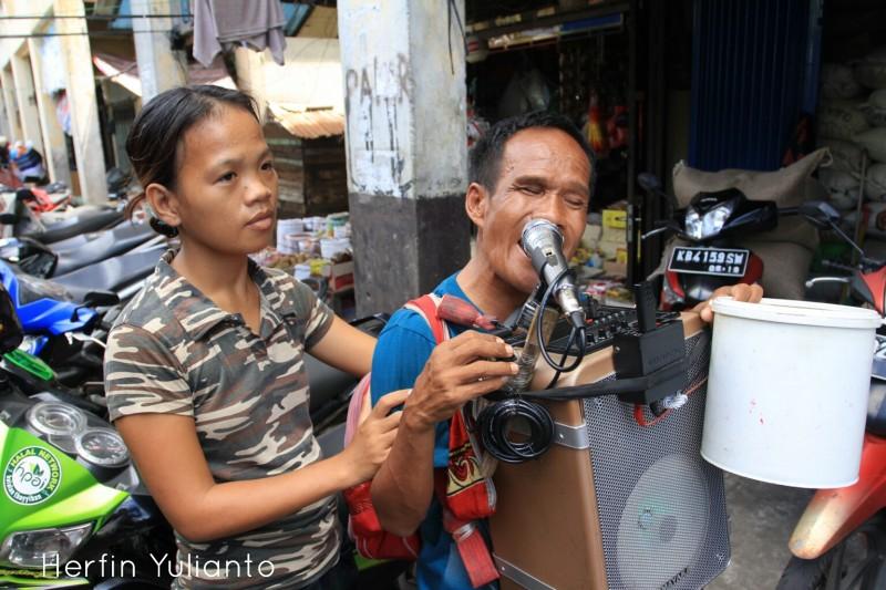Street Singers by Herfin Yulianto Pontianak Street Photo