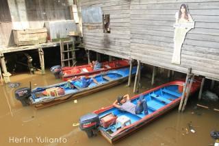 Pontianak Running Tour Kapuas River Waterfront www.tamasyapuriwisata.com