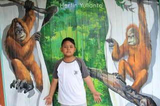 Seni Mural di Orangutan Museum Pontianak _hy