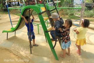 Tempat Bermain Anak di Kapuas Park Pontianak _hy