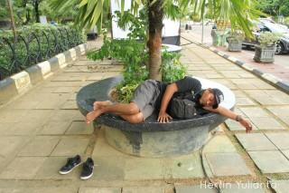 Tertidur Pulas di Kapuas Park Pontianak _hy