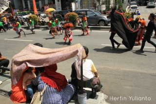 Spectators Carnival Anniversary of Pontianak _hy