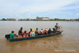Bike on Boat by Herfin Yulianto Pontianak Street Photo