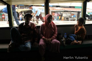 Kapuas River Transportation www.tamasyapuriwisata.com