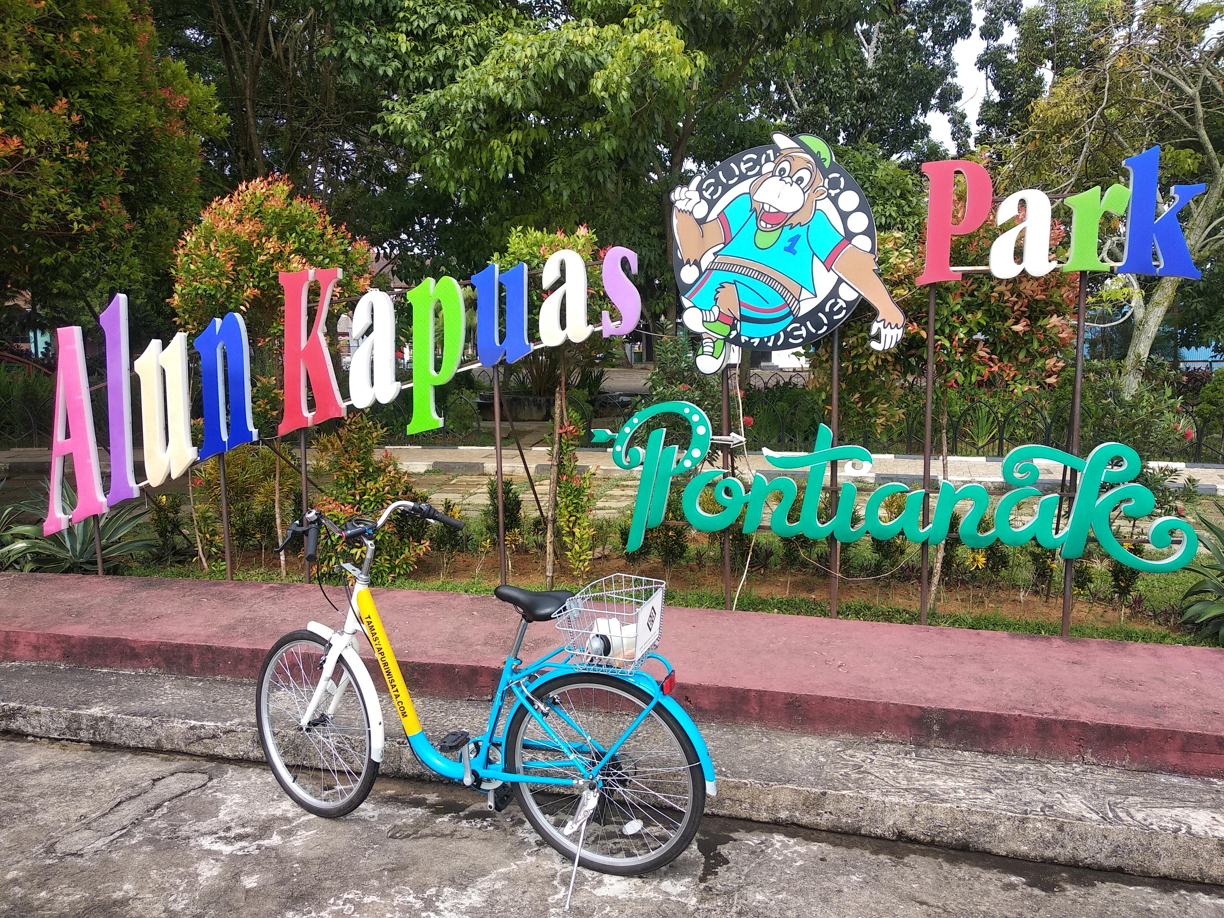Bersepeda ke Taman Alun Kapuas - Bicycle Tour & Rental Pontianak