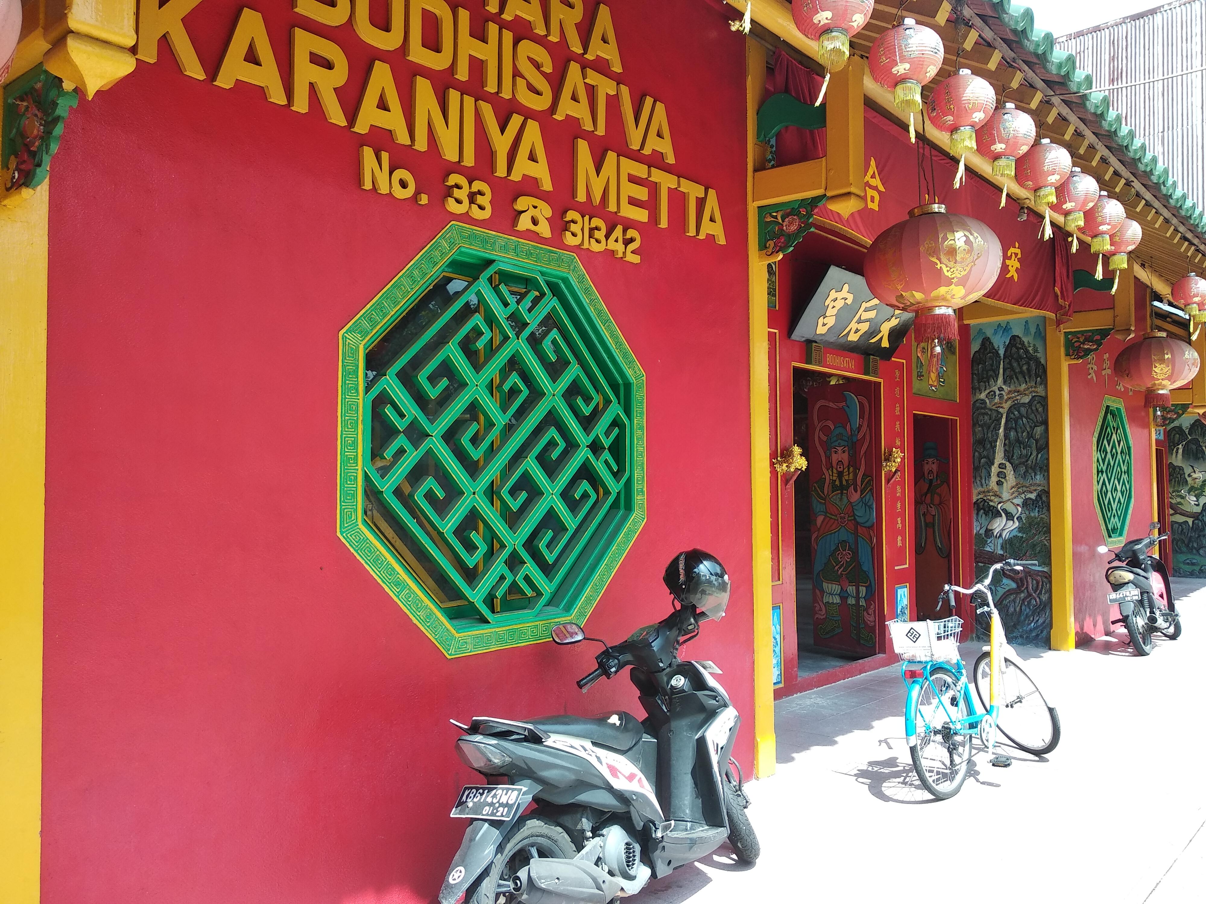 Vihara Bodhisatva Karaniya Metta - Bicycle Tour & Rental Pontianak