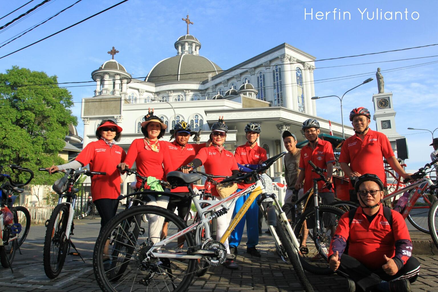 Pontianak Cycling Tour @ Gereja Katedral Pontianak