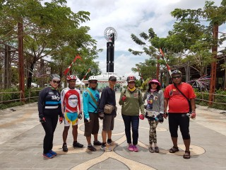 Tugu Khatulistiwa - Bicycle Tour & Rental Pontianak