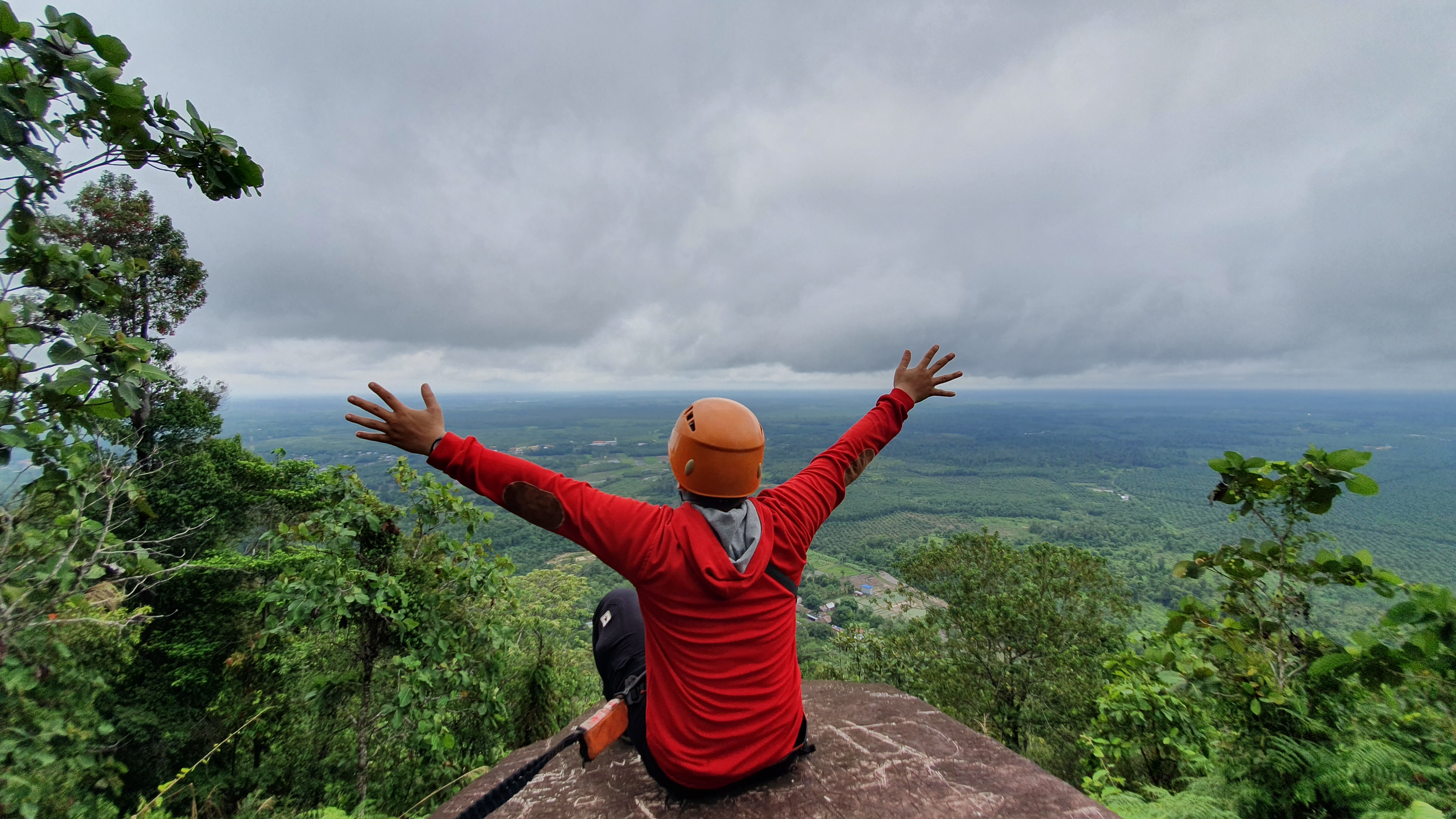 Sintang Rock Climbing Package Via Ferrata Gunung Kelam