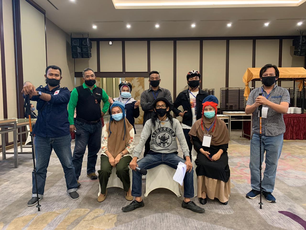Kelompok di Pelatihan Calon Pemandu Wisata Kuliner dan Belanja Kota Pontianak